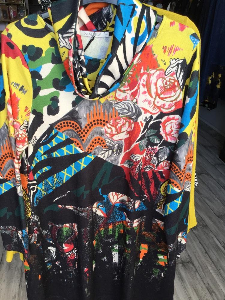 Robe genna taille 42/46/52 prix 79 euros
